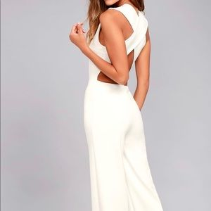 BACKLESS WHITE JUMPSUIT - new with tags SIZE M